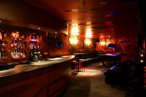 centrefold-lounge-strip-club-pool-table bucks-party-ideas-melbourne